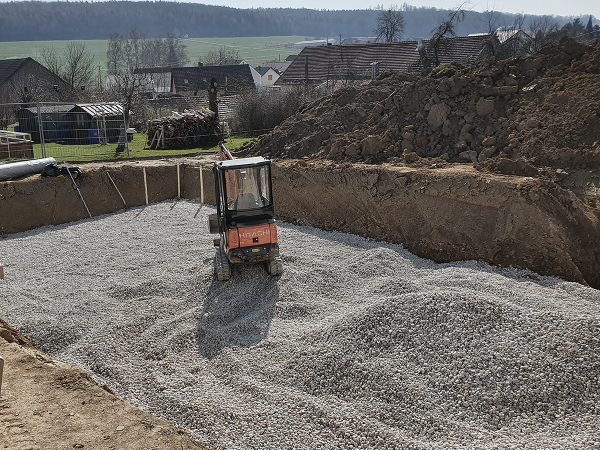 Baubeginn Hanghaus in Stetten - quad